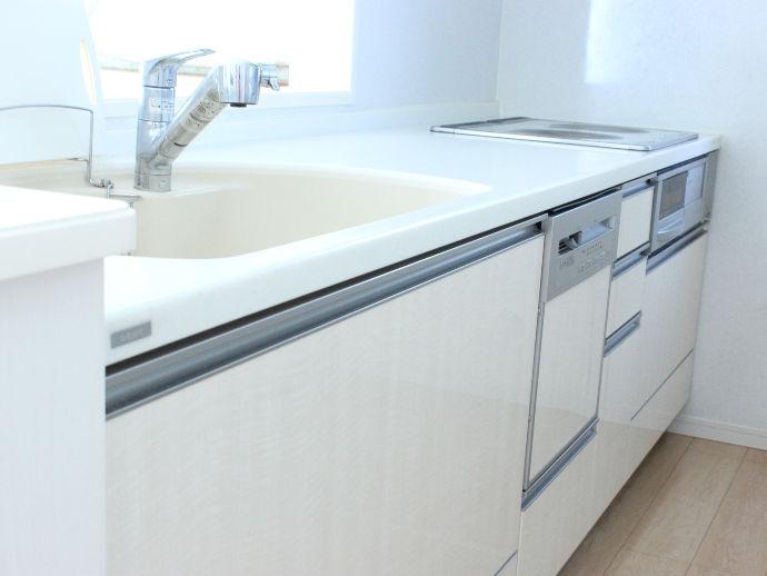 築数とともに古くなったキッチンも家族の成長とともに変化を。