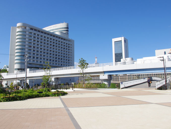 南公園駅前広場(兵庫県神戸市 ポートアイランド)