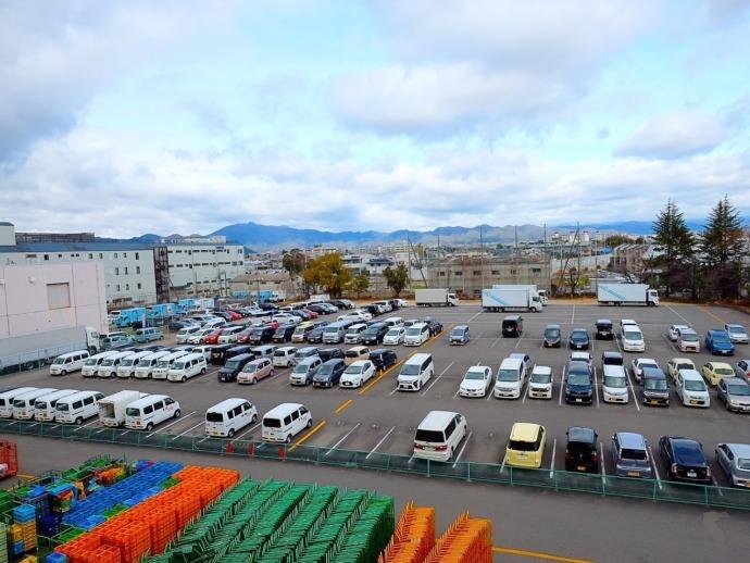 広々とした駐車場も完備!