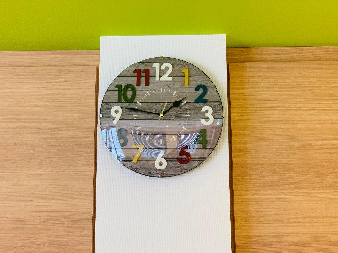 パステルカラーが可愛い院内時計
