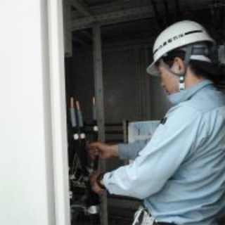 電気室結線作業