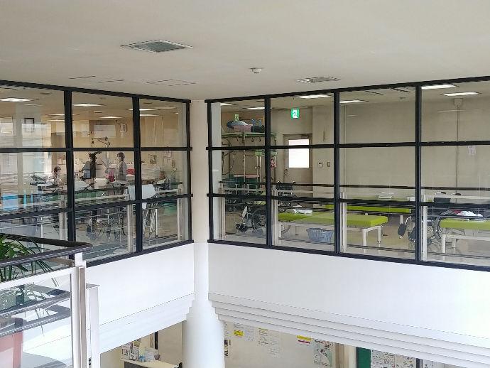 病院2階にも自然光が届きます!