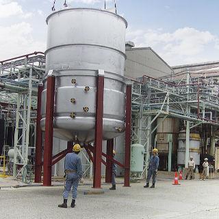 液体槽 工場製作現地取付