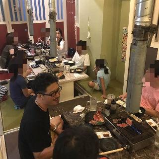 食事会の様子